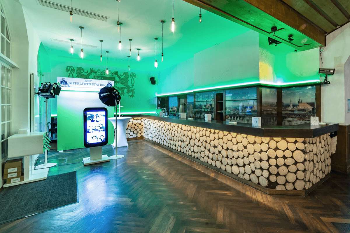 Die Bar im Löwenbräukeller-Festsaal