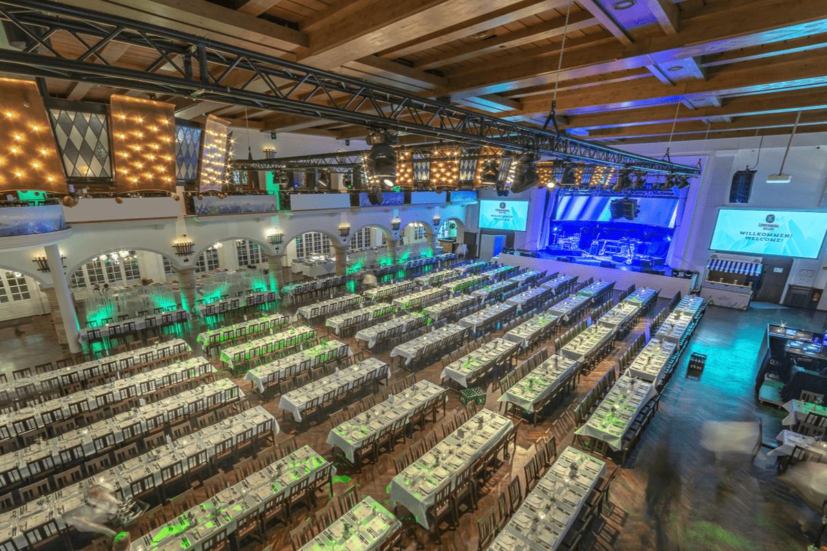 Ansicht Festsaal von der oberen Galerie