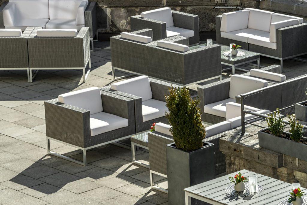 Terrace_Löwenbräukeller4