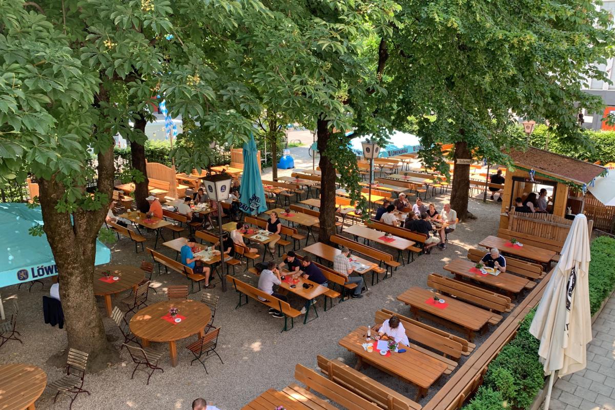 Biergarten im Löwenbräukeller München